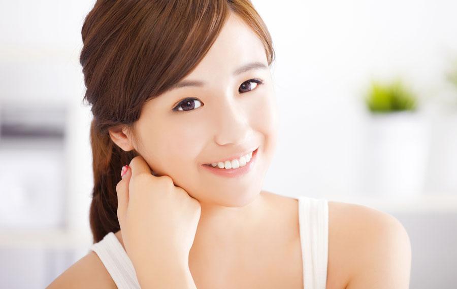 女性の9割が気にするシミ・小ジワに効果的な〇〇を試した結果!